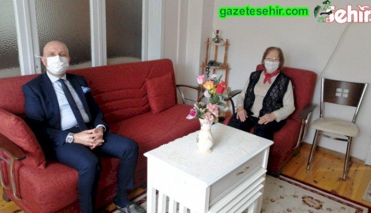 Başkan Özbaş, 7 yıllık  Öğretmenler Günü kutlama geleneğini sürdürdü