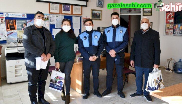 Buldan Belediye Başkanı Mustafa Şevik'ten öğretmenlere anlamlı hediye