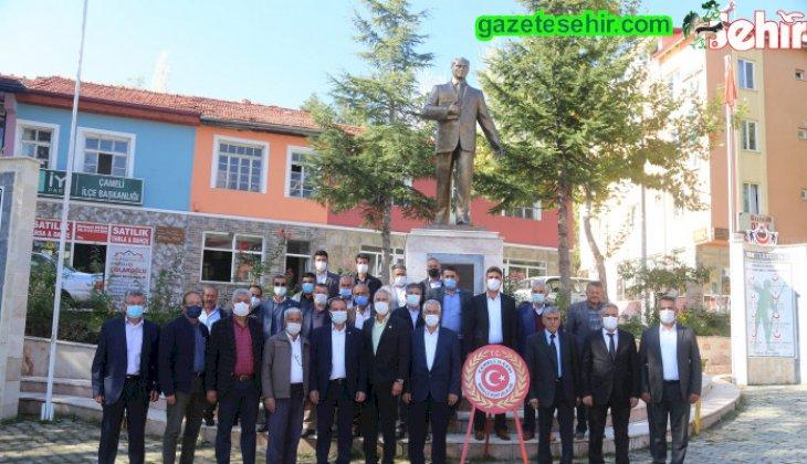 19 Ekim Muhtarlar Günü Çameli Cumhuriyet Meydanında İlçe Protokolünün ve Çameli'de görevli 31 Mahalle Muhtarının katılımı ile kutlandı.