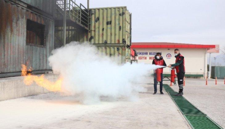 Denizli'de arama kurtarma gönüllülerine yangın eğitimi verildi